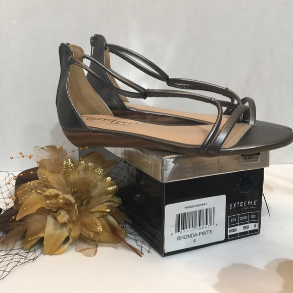Extreme Shoes - Women's Extreme Flat Sandals Pewter Size 8 New